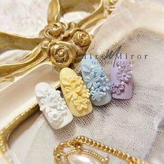 圆形新娘日式白色黄色紫色蓝色雕花喜欢我的话请记得点我头像关注我哦!么么哒~(^з^)-♡美甲图片