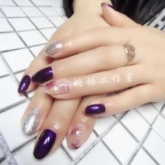 圆形简约日式紫色银色晕染美甲图片