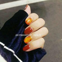 方圆形日式手绘红色橙色晕染琥珀琥珀美甲图片