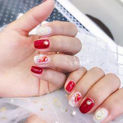 方圆形红色白色晕染金属饰品美甲图片