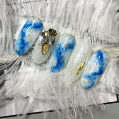 圆形日式韩式蓝色银色白色手绘晕染金箔钻美甲图片