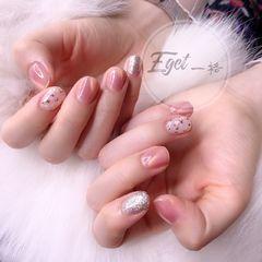 方圆形简约韩式粉色银色猫眼贝壳片金箔美甲图片
