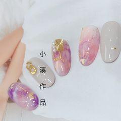 日式圆形粉色紫色裸色手绘晕染金属饰品美甲图片