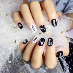 方圆形简约韩式黑色白色运动风运动风美甲运动风美甲图片