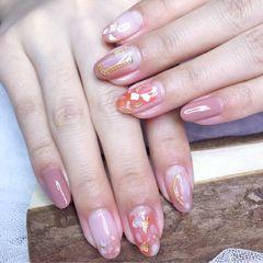 圆形简约日式裸色粉色贝壳片金箔日常客照美甲图片