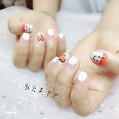 方圆形简约手绘白色橙色可爱圆法式美甲图片