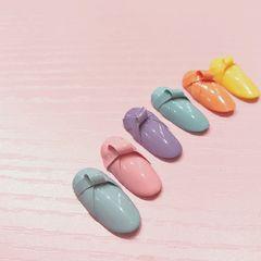 圆形粉色紫色灰色绿色橙色黄色雕花蝴蝶结美甲图片