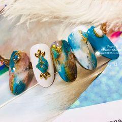 圆形日式手绘绿色蓝色白色晕染夏天海洋金属饰品石纹波西米亚☀️🌊盛夏~绿松石-海洋波西米亚风格晕染应用Design雅婷🌈美甲图片