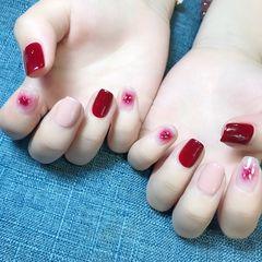 方形日式红色粉色裸色晕染金箔新娘美甲图片