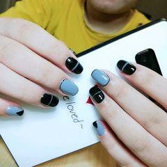 方圆形手绘黑色灰色简约线条韩式 简约 彩绘 线条美甲图片