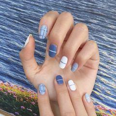 方圆形简约蓝色白色线条磨砂小清新磨砂甲美甲图片
