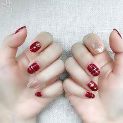 圆形新娘手绘红色银色钻美甲图片