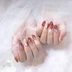 圆形手绘红色晕染贝壳片金箔新娘美甲图片