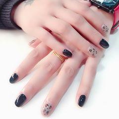 灰色黑色圆形豹纹手绘美甲图片
