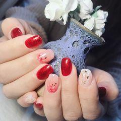 红色方圆形简约日式金箔渐变新娘红色跳乳白色晕染  不一样的感觉美甲图片