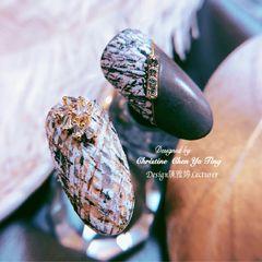 灰色焦糖色棕色黑色圆形磨砂手绘钻格纹金属饰品咖啡色毛呢🌙冬衣来袭~🌬再ㄧ发❄️ 🧶高贵感~毛衣甲💨🧥⛄️🧺 👩🏻大气熟女风~ 呈献🍁 #毛呢衣服穿上身 #冬季毛呢格纹 #高质感风格美甲图片