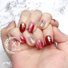 红色圆形晕染金箔钻日式新娘美甲图片