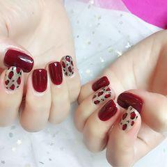 酒红色方圆形豹纹新年美甲图片