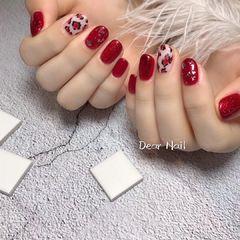红色圆形豹纹金箔手绘美甲图片