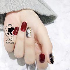 圆形红色黑色贝壳片金箔美甲图片