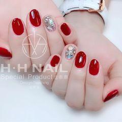 红色钻圆形新年美甲图片