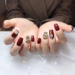 红色钻金箔亮片方圆形新年美甲图片