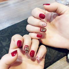 红色方圆形贝壳片金箔新年短指甲美甲图片