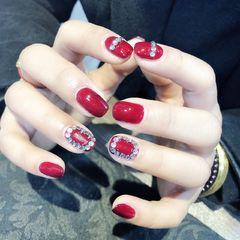 红色方圆形钻新年美甲图片