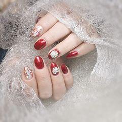 红色圆形金箔晕染贝壳片新年美甲图片