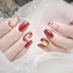 红色方圆形金箔晕染贝壳片钻新年美甲图片