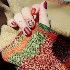 红色格纹速成新年款磨砂格纹美甲图片