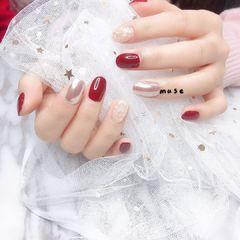 红色圆形贝壳片简约日式金箔美甲图片