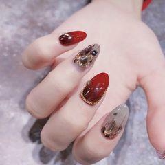 红色圆形钻裸色新年美甲图片