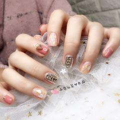 钻贝壳片粉色方圆形金箔美甲图片