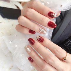 方圆形红色银色水波纹金箔新年美甲图片