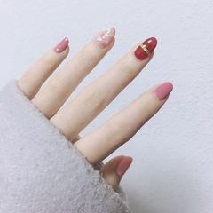 贝壳片圆形粉色红色简约跳色美甲图片