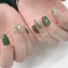 绿色方圆形晕染日式钻手绘树叶贝壳片美甲图片