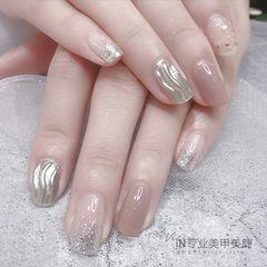 方形渐变日式简约水波纹银色裸色美甲图片