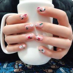 绿色方形手绘花朵粉色美甲图片