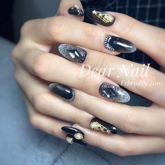 黑色渐变日式钻金属饰品美甲图片
