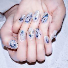 蓝色圆形日式贝壳片晕染石纹美甲图片