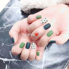 方圆形绿色手绘豹纹磨砂美甲图片