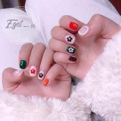 绿色红色手绘方圆形花朵跳色珍珠美甲图片