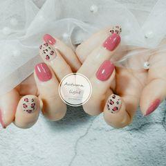 豹纹方圆形手绘粉色美甲图片