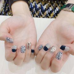 方形日式简约格纹蓝色金银线平法式亮片美甲图片