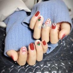 酒红色方形手绘日式简约美甲图片