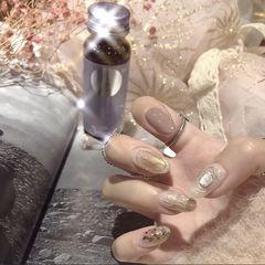 贝壳片金色裸色圆形日式手绘美甲图片
