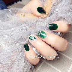 绿色方形日式简约晕染手绘春天美甲图片