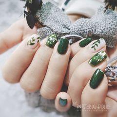 绿色方圆形金箔手绘简约贝壳片树叶美甲图片