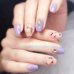 方圆形紫色干花钻美甲图片